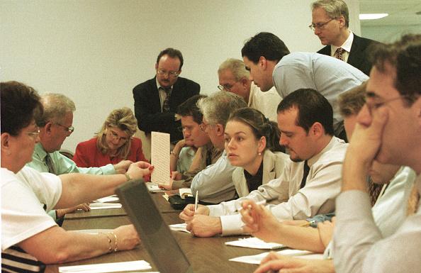 2000「Press, Judicial Watch Look at FLA Undervotes」:写真・画像(2)[壁紙.com]