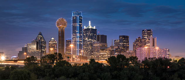 Urban Skyline「Dallas Texas Skyline and Reunion Tower panoramic」:スマホ壁紙(16)