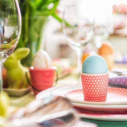 Boys「Kids Painting Easter Eggs」:スマホ壁紙(6)