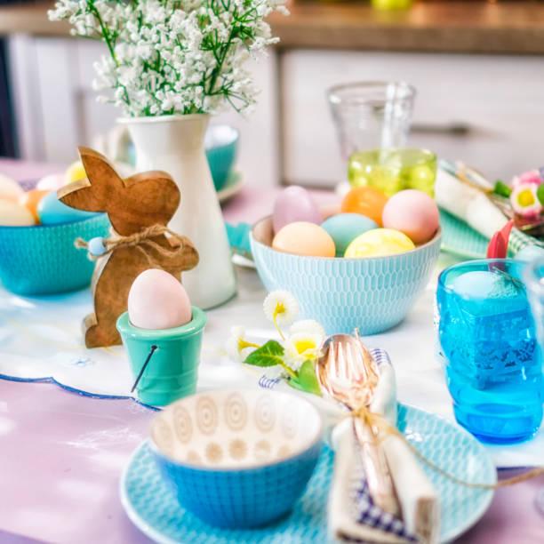 Kids Painting Easter Eggs:スマホ壁紙(壁紙.com)