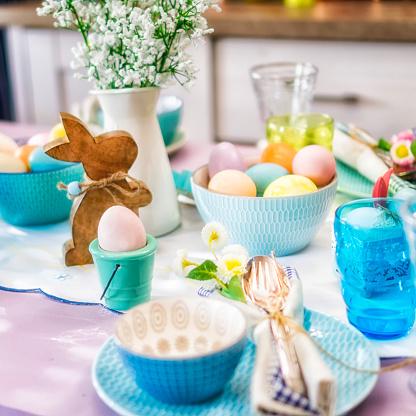 Easter「Kids Painting Easter Eggs」:スマホ壁紙(4)
