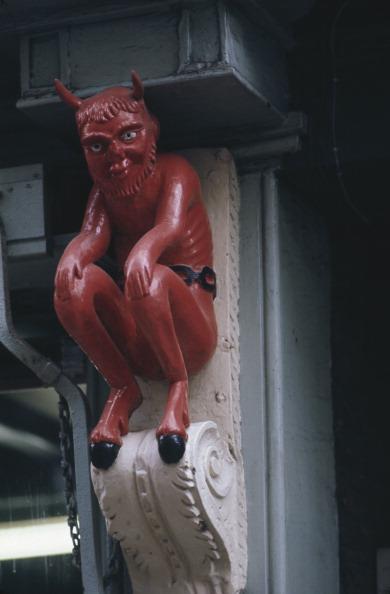 Tradition「Red Devil」:写真・画像(11)[壁紙.com]