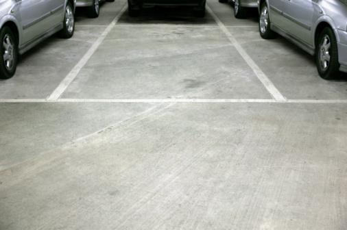 Parking Lot「Empty space in car park」:スマホ壁紙(13)