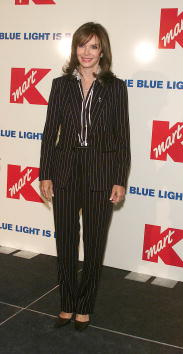 Jaclyn Smith「Kmart Bluelight Celebration」:写真・画像(13)[壁紙.com]