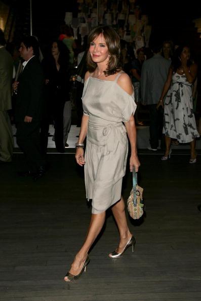 "Jaclyn Smith「Prada Celebrates Opening Of ""Waist Down Skirts By Miuccia Prada"" - Arrivals」:写真・画像(6)[壁紙.com]"