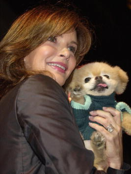 Jaclyn Smith「Pro-Animals Celebrity Fashion Show」:写真・画像(19)[壁紙.com]