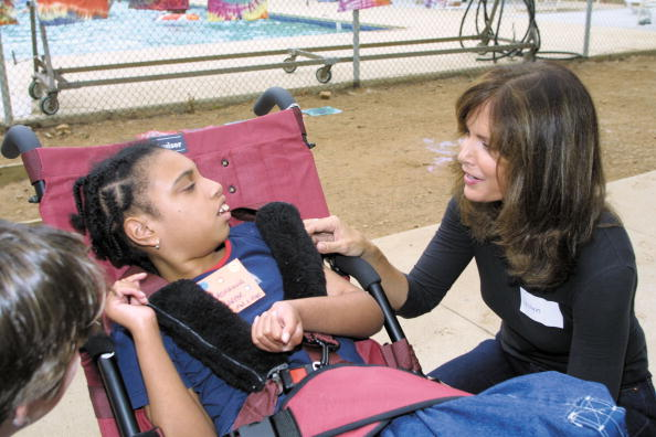Jaclyn Smith「Jaclyn Smith Visits Ability First Summer Camp」:写真・画像(5)[壁紙.com]