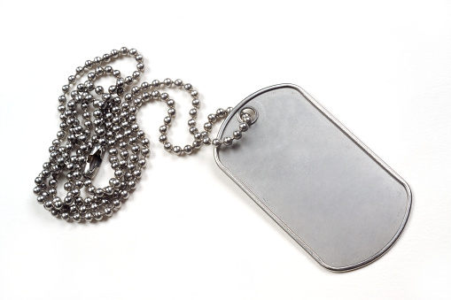 Military「Silver dog tag isolated on white background」:スマホ壁紙(13)