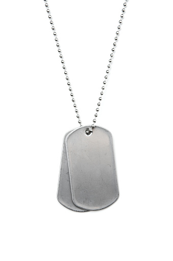 Military「Silver dog tags on a chain on a white background」:スマホ壁紙(6)