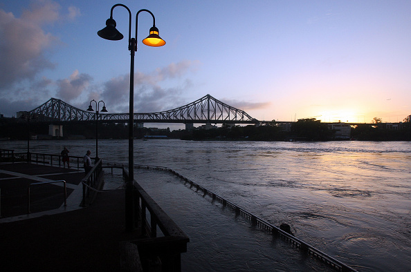 Footpath「Death Toll Rises As Queensland Flood Disaster Continues」:写真・画像(13)[壁紙.com]