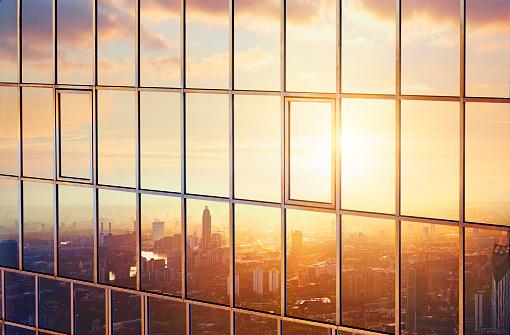 Dawn「The city at sunrise reflected in a sky scraper.」:スマホ壁紙(8)