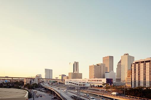 Performance Group「Miami skyline at sunset」:スマホ壁紙(7)