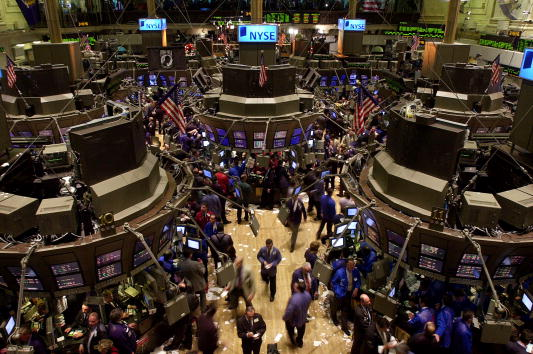 Dow Jones Industrial Average「Stocks Roar After Interest Rate Cut By Fed」:写真・画像(14)[壁紙.com]
