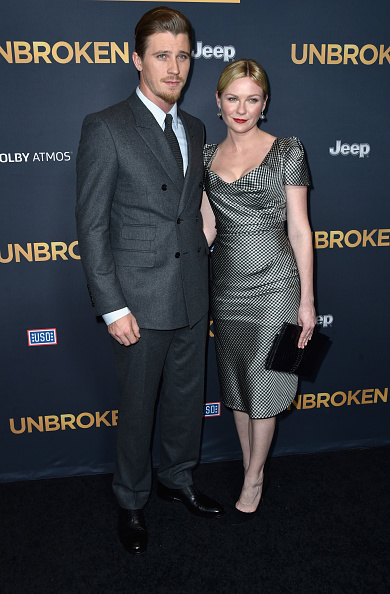 "Double Breasted「Premiere Of Universal Studios' ""Unbroken"" - Arrivals」:写真・画像(4)[壁紙.com]"