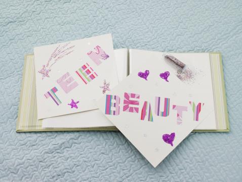 Teenager「A book that says teen beauty」:スマホ壁紙(5)