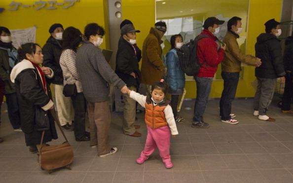 Crisis「Japan Crisis Begins To Stabilise After Quake Disaster」:写真・画像(15)[壁紙.com]