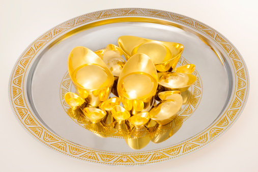 Better fortune「Chinese traditional currency gold yuanbao ingots in tray」:スマホ壁紙(5)