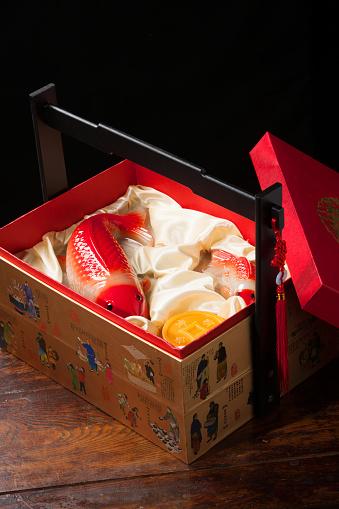 Carp「Chinese traditional gift box」:スマホ壁紙(10)