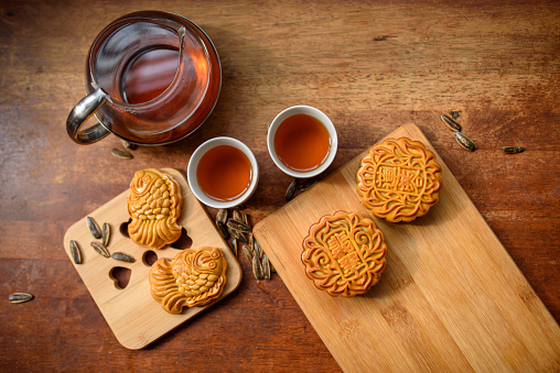 Chinese Lantern Festival「Chinese Traditional Festival Mid-Autumn Moon cake and Chinese Tea」:スマホ壁紙(7)