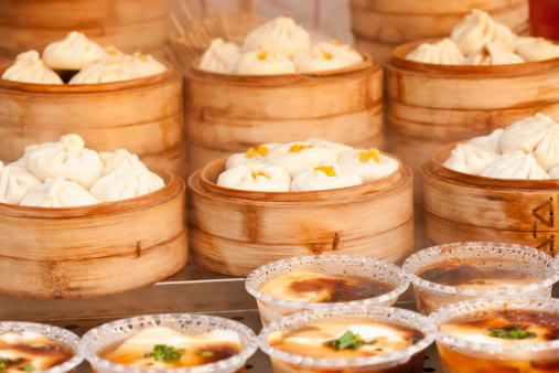 Chinese Steamed Bun「Chinese traditional snack steamed bun and jellied bean curd」:スマホ壁紙(19)