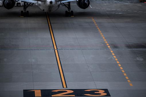 Japan「空港で書いた数字です。」:スマホ壁紙(19)