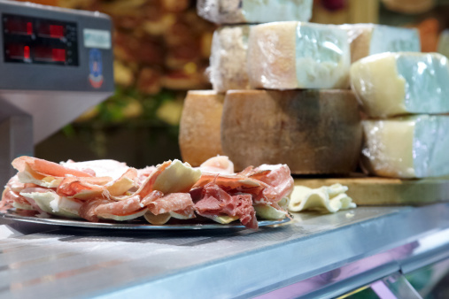 Parma - Italy「Display of parma hams and cheeses」:スマホ壁紙(6)