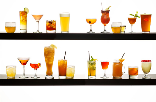 Side By Side「Display of Various Alcohol Drinks」:スマホ壁紙(7)