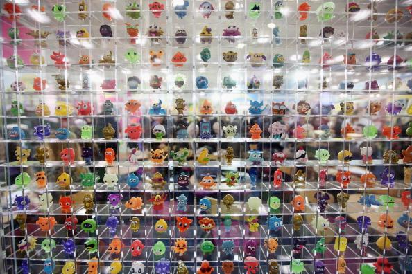 ヒューマンインタレスト「Toy Enthusiasts Attend The Toy Fair 2012」:写真・画像(19)[壁紙.com]