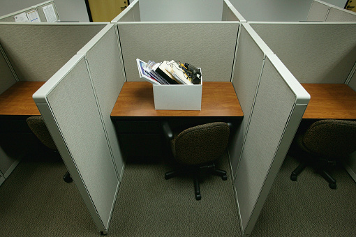 Unemployment「Cubicle with Box of Personal Belongings」:スマホ壁紙(4)