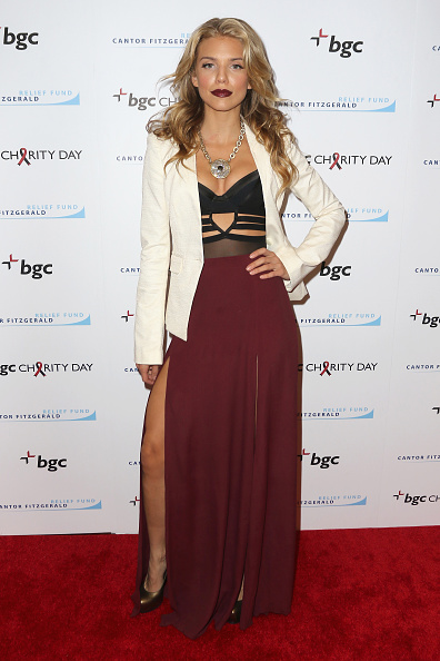 AnnaLynne McCord「Annual Charity Day Hosted By Cantor Fitzgerald And BGC - BGC Office - Arrivals」:写真・画像(19)[壁紙.com]
