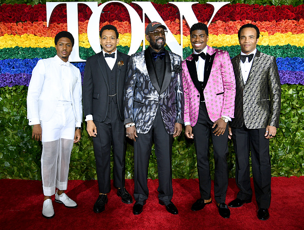 Five People「73rd Annual Tony Awards - Red Carpet」:写真・画像(4)[壁紙.com]
