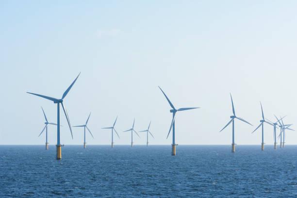 Offshore wind farm, IJmuiden, North Sea, Netherlands:スマホ壁紙(壁紙.com)