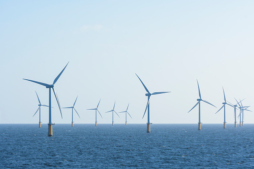 Windmill「Offshore wind farm, IJmuiden, North Sea, Netherlands」:スマホ壁紙(10)