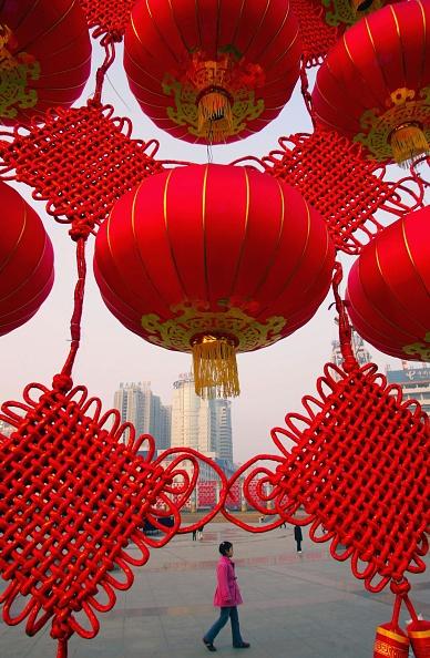Chinese Lantern「People Prepare To Celebrate Chinese Lunar New Year」:写真・画像(9)[壁紙.com]