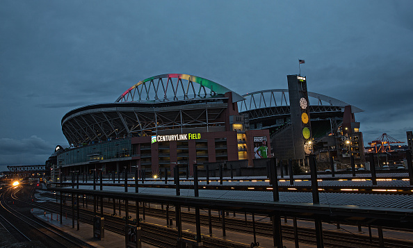Hayward Field「National Landmarks Illuminated Across U.S. To Shine Light On Ebola Crisis And Show Solidarity With West Africa」:写真・画像(6)[壁紙.com]