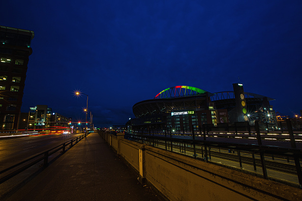 Hayward Field「National Landmarks Illuminated Across U.S. To Shine Light On Ebola Crisis And Show Solidarity With West Africa」:写真・画像(0)[壁紙.com]