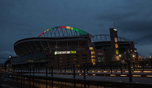 Hayward Field「National Landmarks Illuminated Across U.S. To Shine Light On Ebola Crisis And Show Solidarity With West Africa」:写真・画像(7)[壁紙.com]