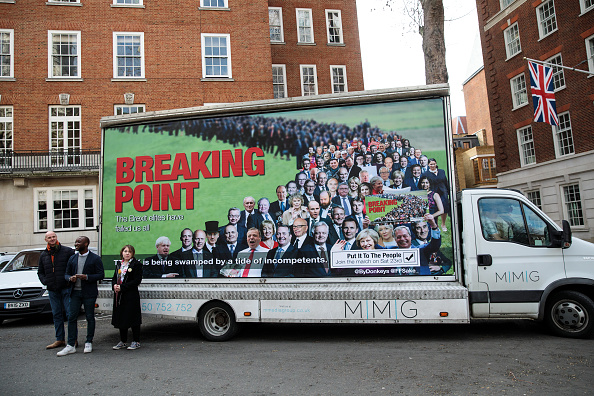 MEP「Young Remainers Reveal Hard-hitting Brexit Billboard」:写真・画像(4)[壁紙.com]
