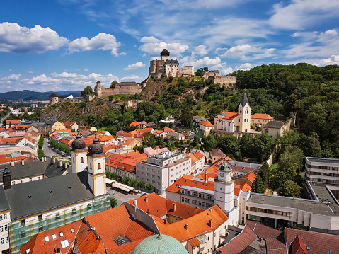 Cathedral「Aerial panorama of old town Trencin, Slovakia」:スマホ壁紙(5)