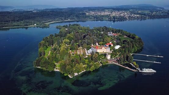 島「ドイツ、ボーデンゼー湖で穏やかな朝のマイナウ島の空中パノラマ」:スマホ壁紙(5)