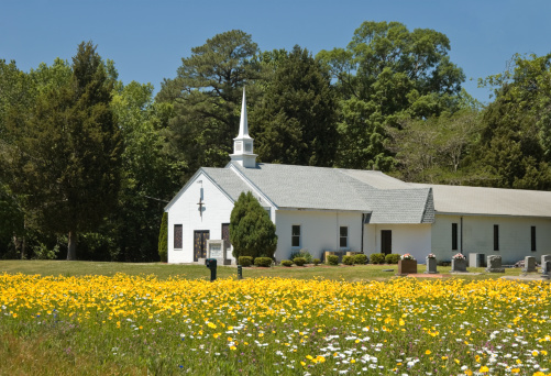 Praying「Country Church With Yellow Flowers in Spring」:スマホ壁紙(14)