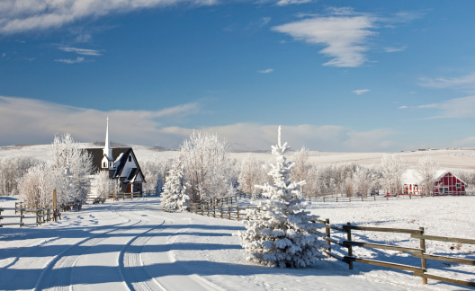 Wooden Post「Country Church in Winter」:スマホ壁紙(0)