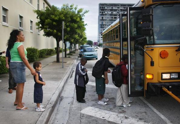 School Bus「Florida Outreach Program Helps Homeless Families Cope」:写真・画像(12)[壁紙.com]