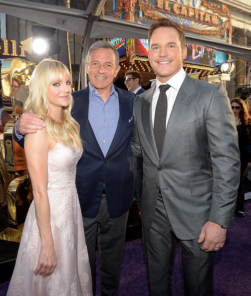 ボブ アイガー「The World Premiere Of Marvel Studios' 'Guardians Of The Galaxy Vol. 2.'」:写真・画像(8)[壁紙.com]