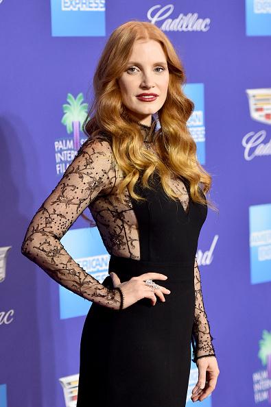黒「29th Annual Palm Springs International Film Festival Film Awards Gala - Arrivals」:写真・画像(5)[壁紙.com]