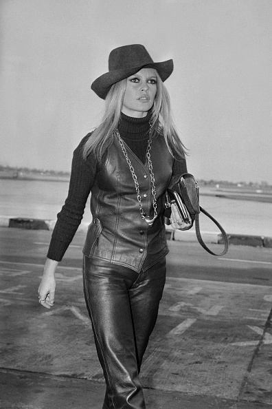 Leather「Brigitte Bardot」:写真・画像(1)[壁紙.com]