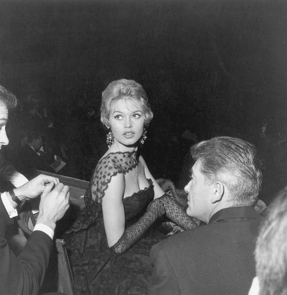 Movie「Bardot In Black Lace」:写真・画像(7)[壁紙.com]