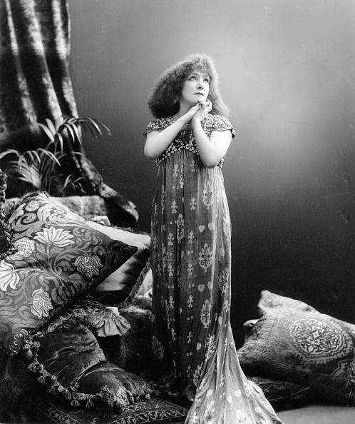 Stage Costume「Sarah Bernhardt」:写真・画像(17)[壁紙.com]