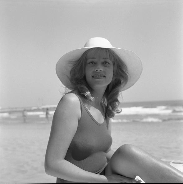 Actress「Portrait Under The Sun」:写真・画像(0)[壁紙.com]