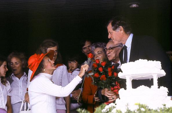 Single Flower「Rose Kennedy At 92」:写真・画像(3)[壁紙.com]